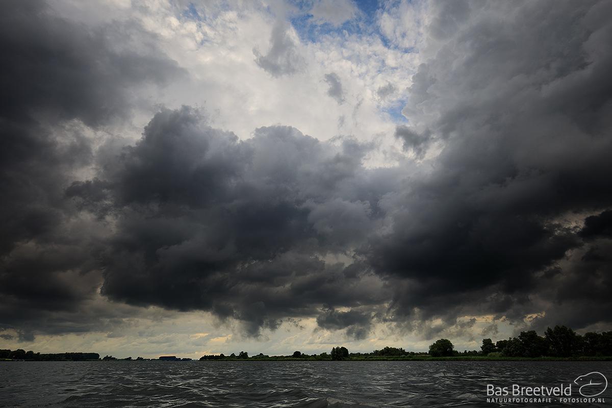 5745 | Net Voor De Storm Biesbosch | Canon 5D Mark IV | Ochtend Sfeerfoto Biesbosch | Canon 5D Mark IV | EF16-35mm F/4L IS USM IS | ISO 200, F8.0, 1/80 Sec.